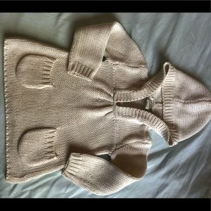 Girls 2t hooded cream & gold pocketed sweater